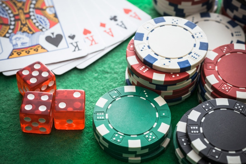 Gambling Online Five Things Players Enjoy.